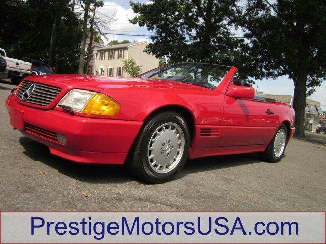 1992 MERCEDES-BENZ 500 500SL red have fun in this low mileage convertible meticulously c