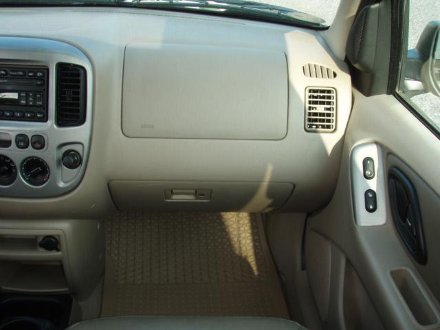 Image 10 of 2003 Ford Escape XLT…