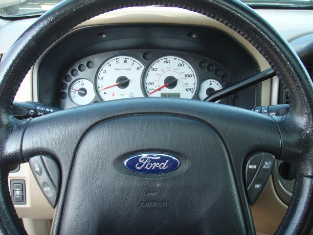 Image 11 of 2003 Ford Escape XLT…