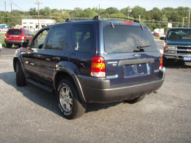 Image 18 of 2003 Ford Escape XLT…