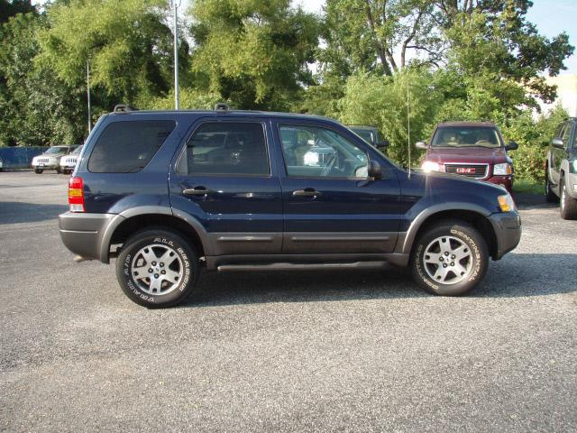 Image 23 of 2003 Ford Escape XLT…