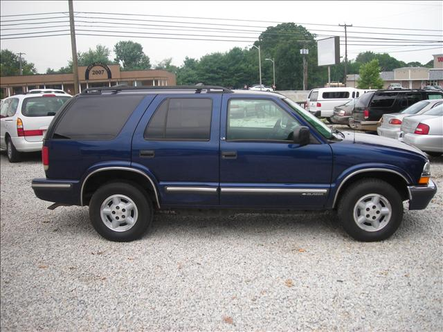 Image 1 of 1999 Chevrolet Blazer…