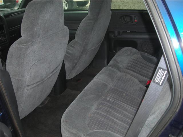 Image 13 of 1999 Chevrolet Blazer…