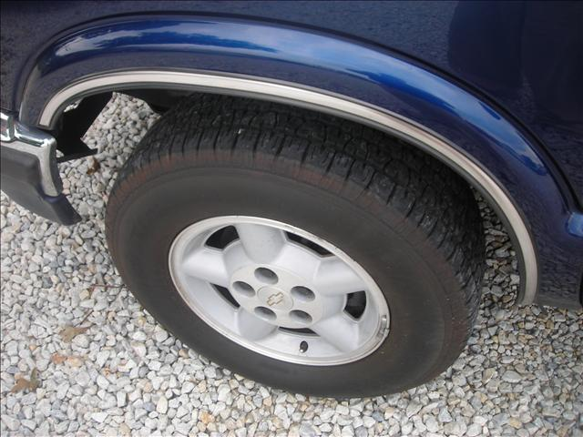 Image 15 of 1999 Chevrolet Blazer…