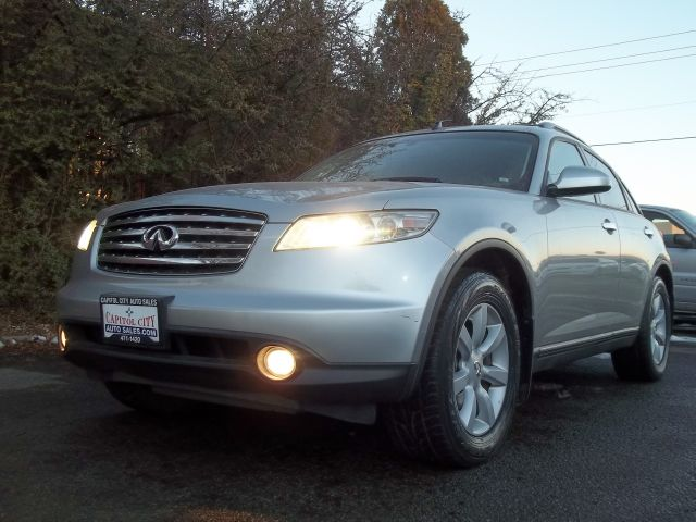 2004 Infiniti FX35