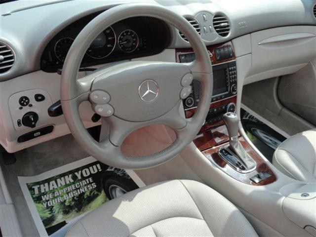 Image 2 of 2005 Mercedes-Benz CLK…