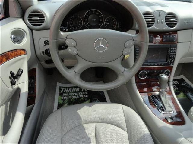 Image 8 of 2005 Mercedes-Benz CLK…