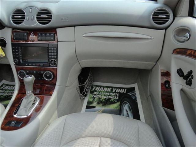 Image 9 of 2005 Mercedes-Benz CLK…