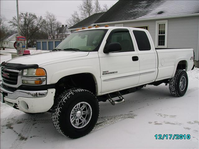 2004 GMC Sierra 2500 SLE - Wheeling IL