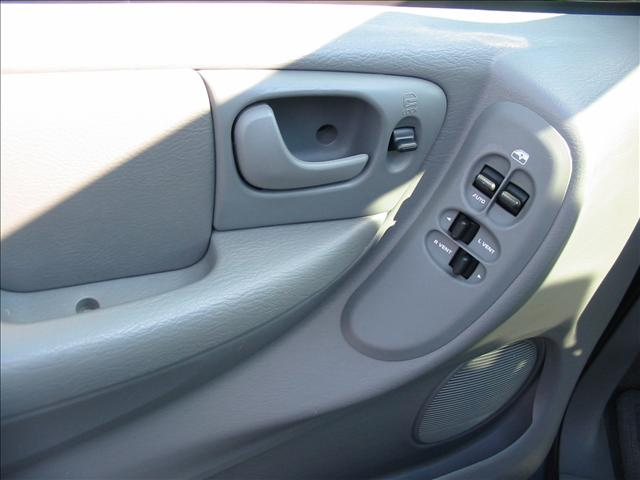 Image 11 of 2005 Dodge Grand Caravan…