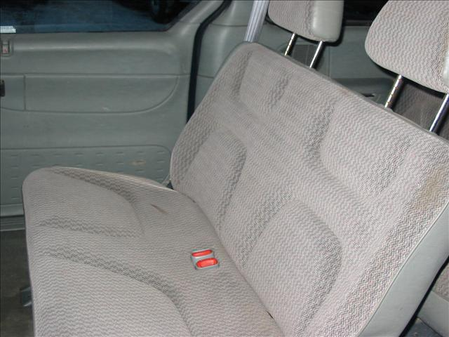 Image 9 of 1999 Plymouth Voyager…