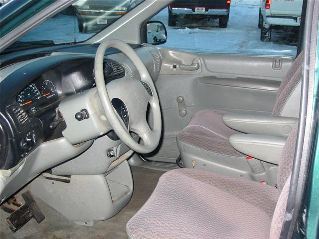 Image 10 of 1999 Plymouth Voyager…