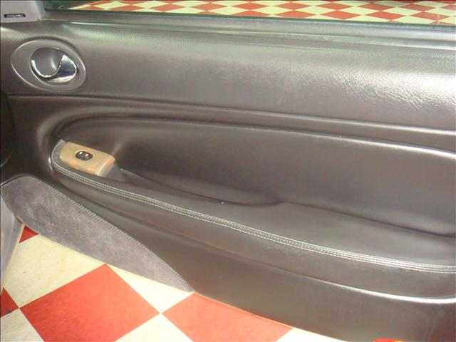 Image 15 of 2001 Jaguar XKR Convertible…