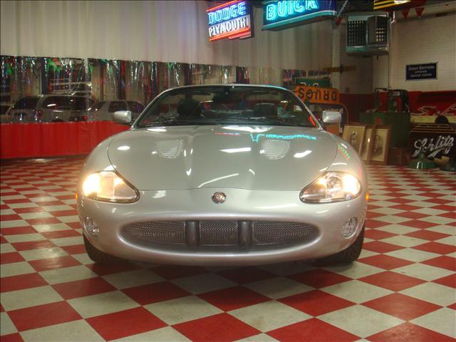 Image 22 of 2001 Jaguar XKR Convertible…
