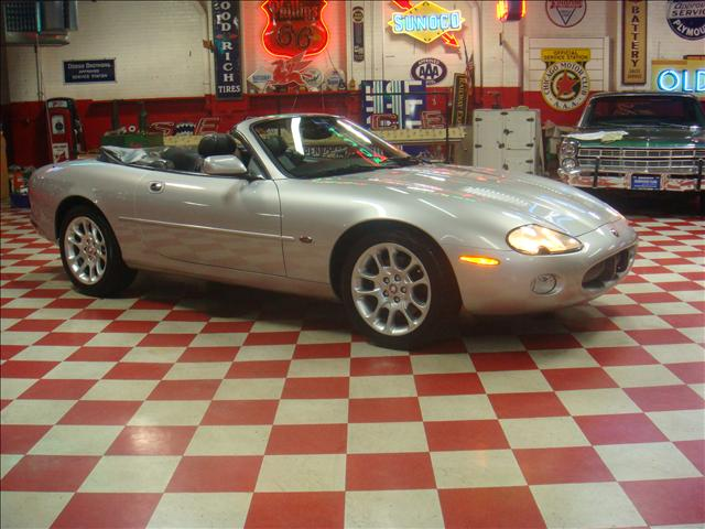 Image 23 of 2001 Jaguar XKR Convertible…