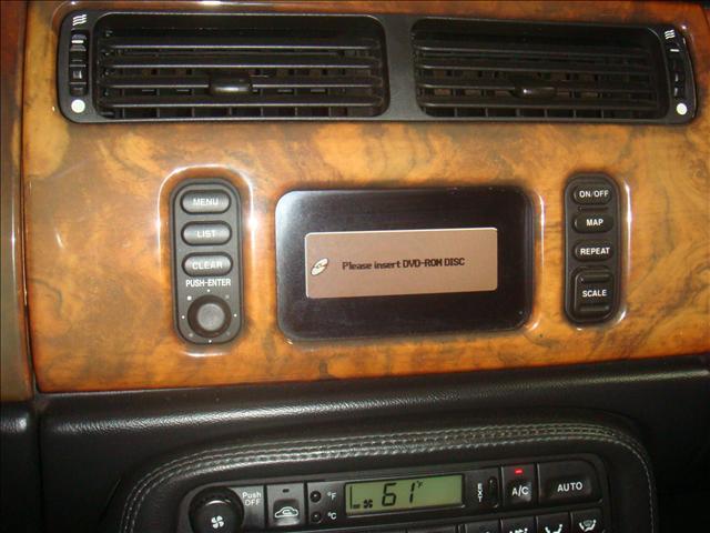 Image 29 of 2001 Jaguar XKR Convertible…
