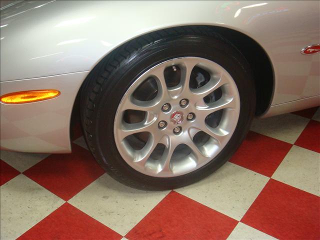 Image 30 of 2001 Jaguar XKR Convertible…