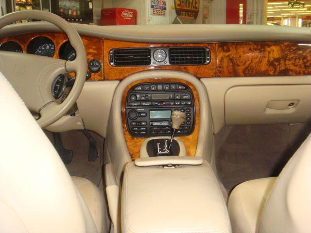 Image 31 of 1999 Jaguar XJ8 XJ8…