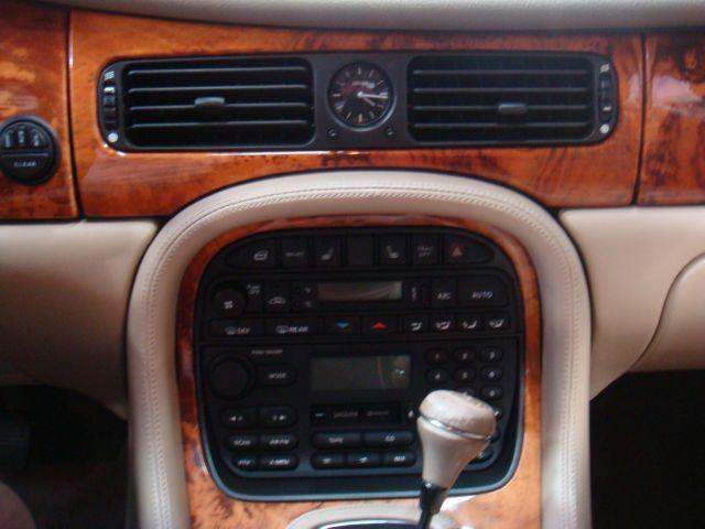 Image 38 of 1999 Jaguar XJ8 XJ8…