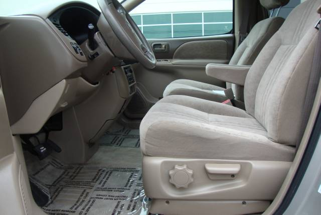Image 3 of 2001 Toyota Sienna LE…