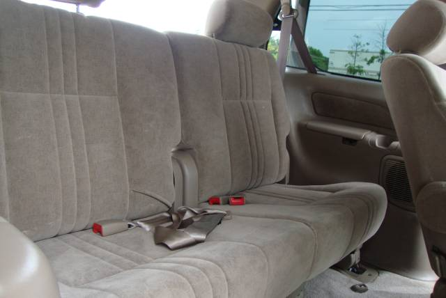 Image 7 of 2001 Toyota Sienna LE…