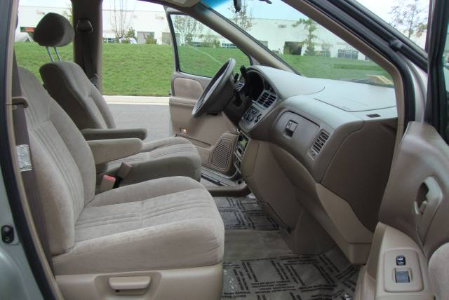 Image 9 of 2001 Toyota Sienna LE…