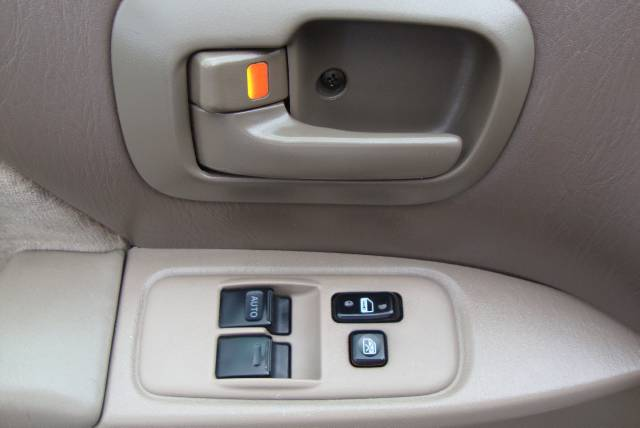 Image 12 of 2001 Toyota Sienna LE…