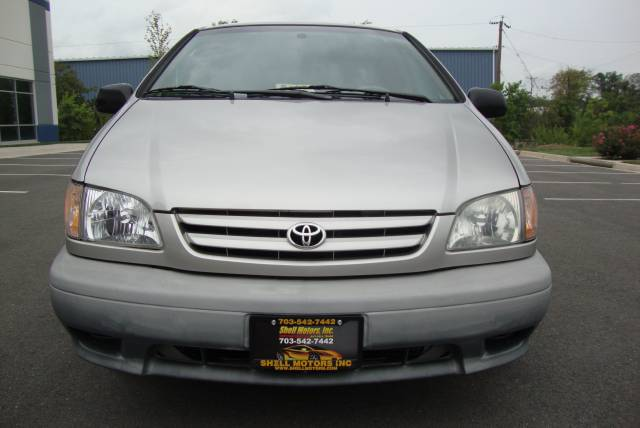 Image 13 of 2001 Toyota Sienna LE…