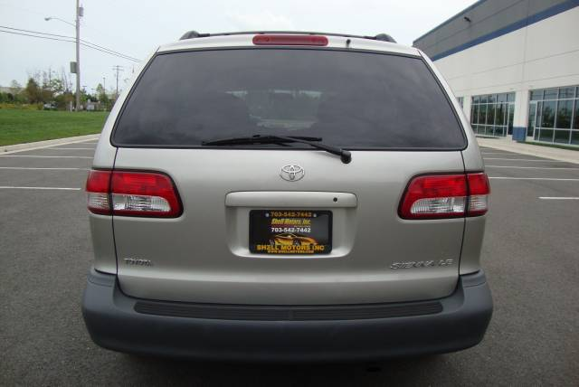 Image 22 of 2001 Toyota Sienna LE…