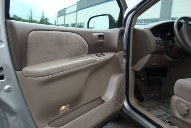 Image 26 of 2001 Toyota Sienna LE…