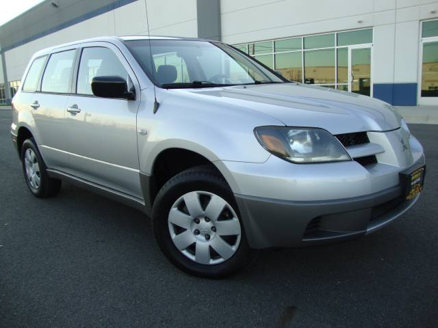 Image 25 of 2003 Mitsubishi Outlander…