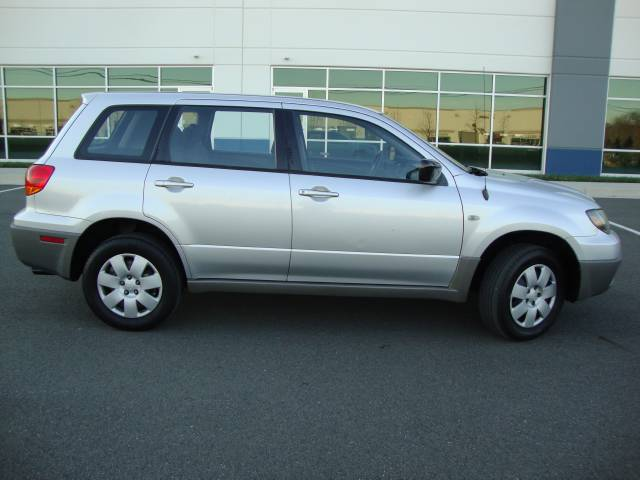 Image 26 of 2003 Mitsubishi Outlander…