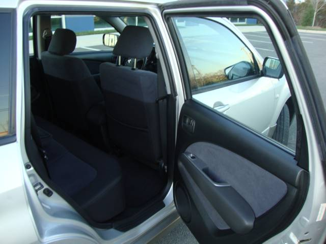 Image 33 of 2003 Mitsubishi Outlander…