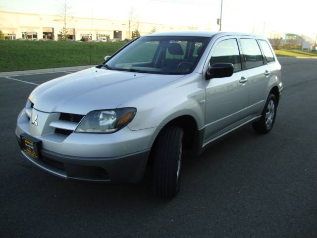 Image 43 of 2003 Mitsubishi Outlander…