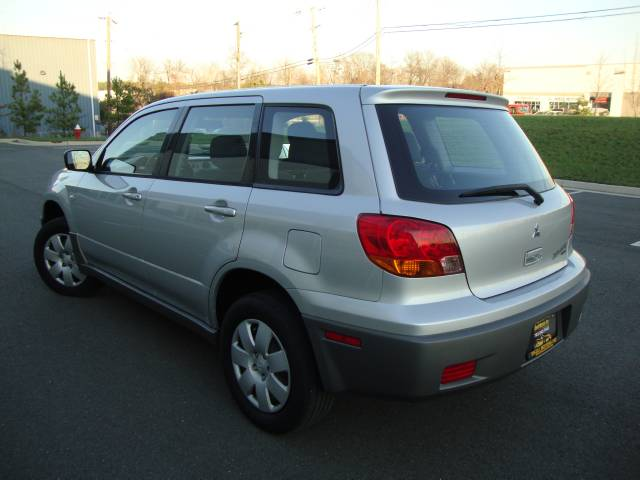 Image 45 of 2003 Mitsubishi Outlander…
