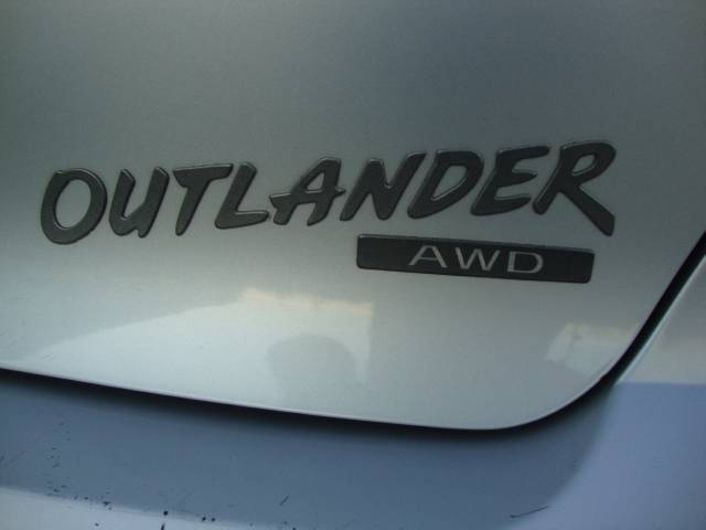 Image 47 of 2003 Mitsubishi Outlander…