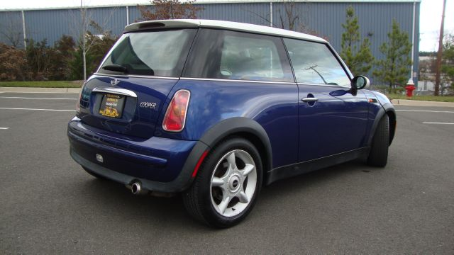 Image 33 of 2003 Mini Cooper 4-Cylinder…