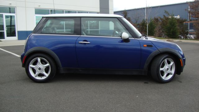 Image 34 of 2003 Mini Cooper 4-Cylinder…