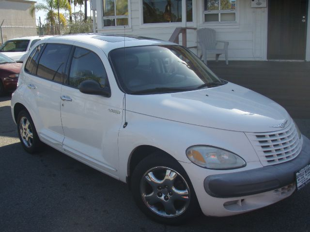 2002 CHRYSLER PT CRUISER LIMITED EDITION white 02 pt cruiser  is in good condition super gas save