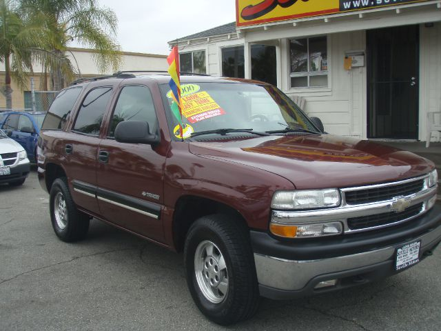 2000 CHEVROLET TAHOE 4WD maroon just arrivedever popular chevy tahoe  this 2000 model is