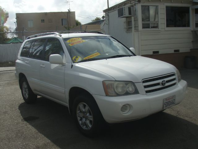 2003 TOYOTA HIGHLANDER white dongt miss out on this nice g2003 toyota highlanderg great size