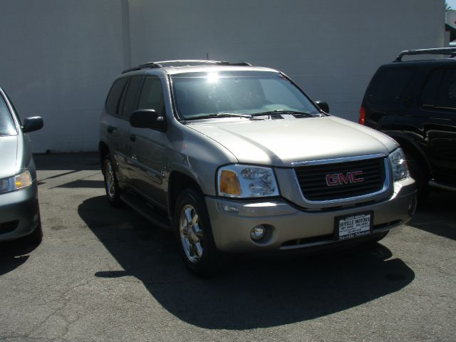 2002 GMC ENVOY grey in the market for an incredible suv check out this 2004 gmc envoy slt the env