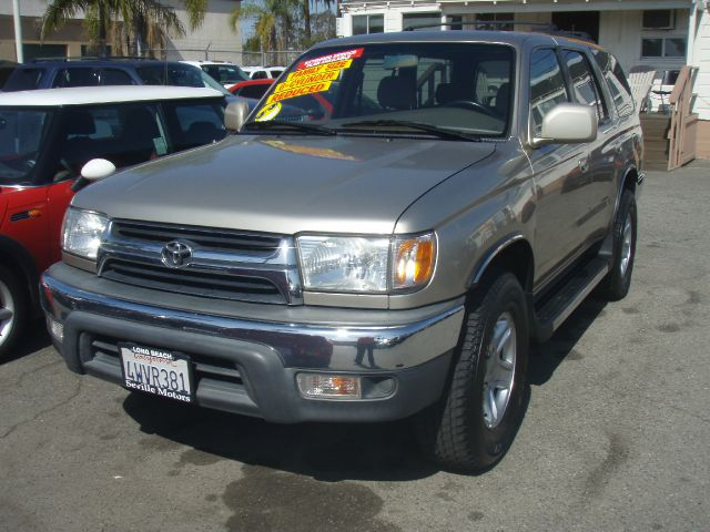 2002 TOYOTA 4RUNNER SR5 2WD gold just got inthe toyota 4runner is the most reliable suv ever