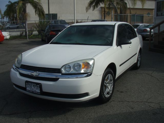 2005 CHEVROLET MALIBU BASE white the 2005 chevrolet malibu is roomy safe and well equipped  offe