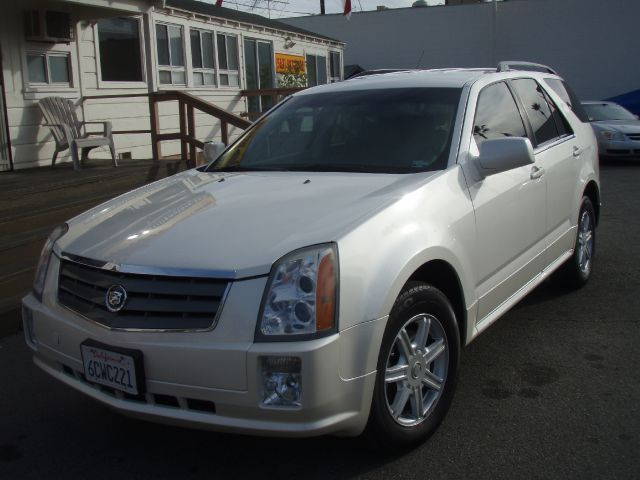 2004 CADILLAC SRX V6 lite tan beautiful  2004 cadillac srx  an suv with the luxurious cadillac fe