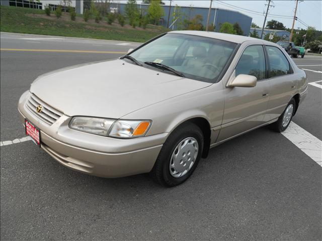 2010 Toyota Camry For Sale >> 1999 Toyota Camry LE Gold Automatic (Chantilly) $4930 ...