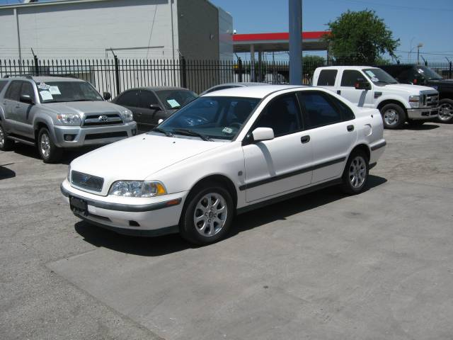 2000 volvo s40 1 6 related infomation specifications. Black Bedroom Furniture Sets. Home Design Ideas