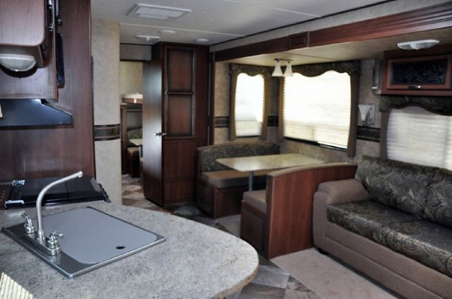 2013 Crossroads RV Zinger 32QB  - Burlington WI