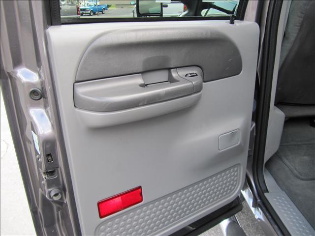 Image 21 of 2003 Ford F350 XLT 8-Cylinder…