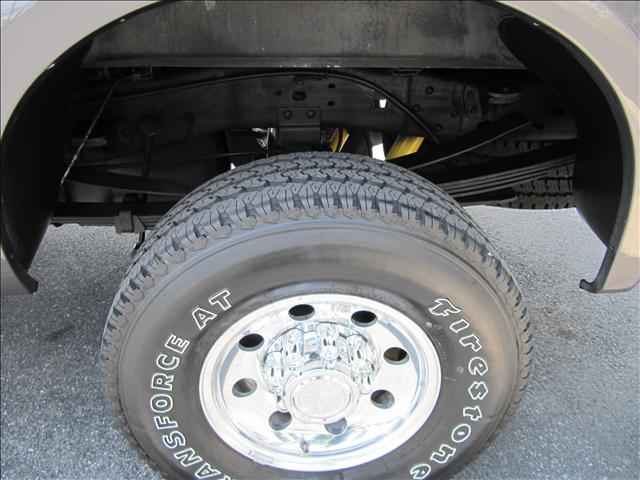 Image 29 of 2003 Ford F350 XLT 8-Cylinder…